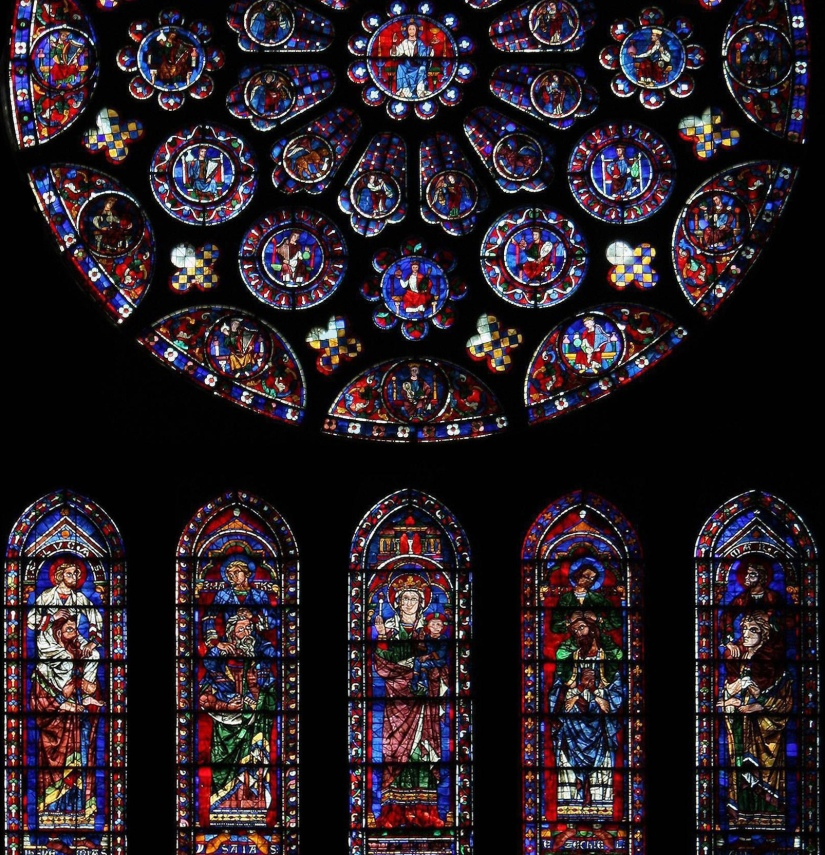 South_rose_window_of_Chartres_Cathedral_crop