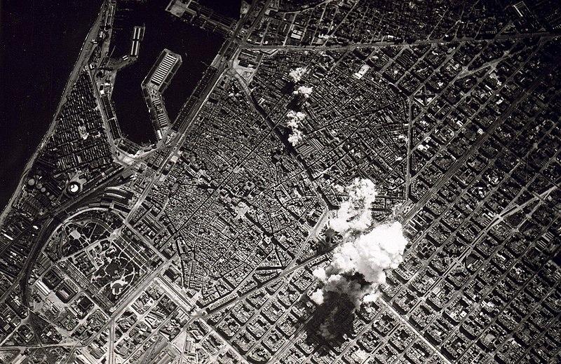 800px-Barcelona_bombing_(1938)